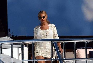 Beyonce ikiz bebekler için malikane aldı