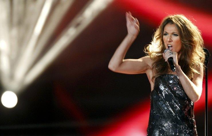 Müziğin dev isimlerinden biri olan Celine Dion, müzik dünyasından moda dünyasına geçiş yaptı.