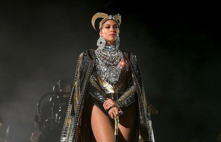Beyonce, geçen yıl çok ses getiren Coachella performansının hem albümünü hem belgeselini yayınladı.