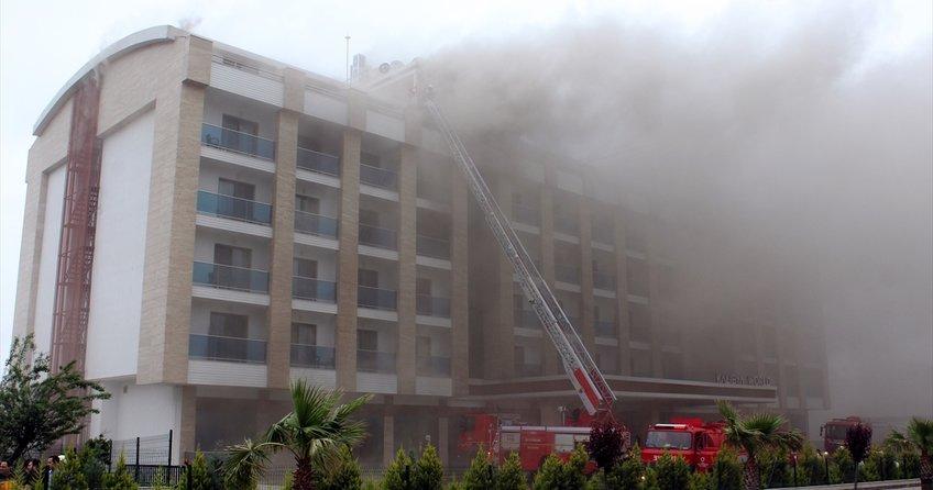 Ordu'da Devlet Sahil Yolu üzerinde bulunan 7 katlı otelde yangın!