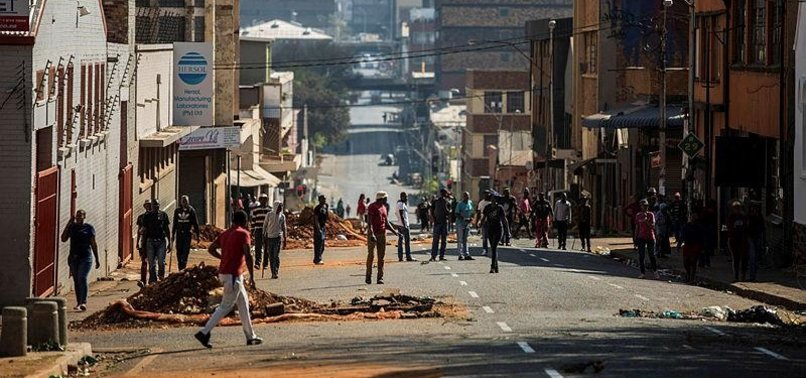 FIVE KILLED IN SOUTH AFRICA XENOPHOBIC ATTACKS: POLICE