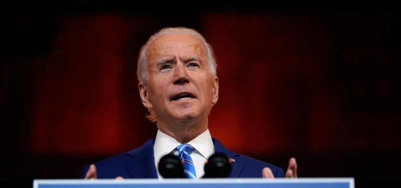 BIDEN BREAKS FOOT WHILE PLAYING WITH DOG, TO WEAR A BOOT