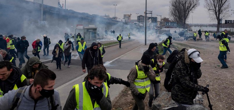 YELLOW VESTS RUIN MOST OF FRANCE'S SPEED CAMERAS