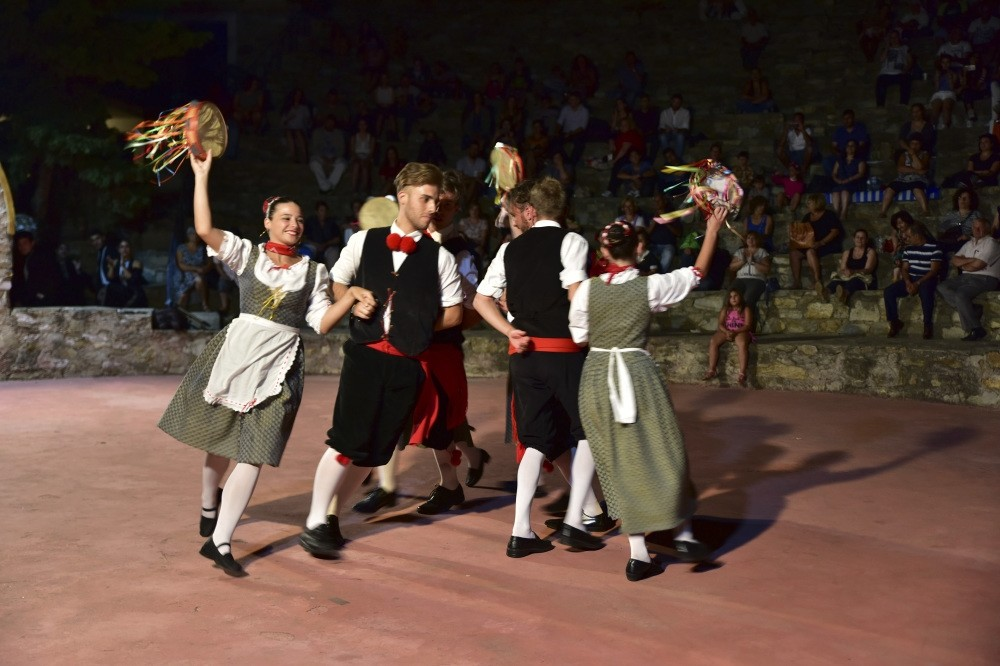 Every year, the festival hosts folk dance companies from various countries. Eight countries are participating this year, including Turkey, Taiwan, China, Chile, Serbia, Italy, Russia and Greece.