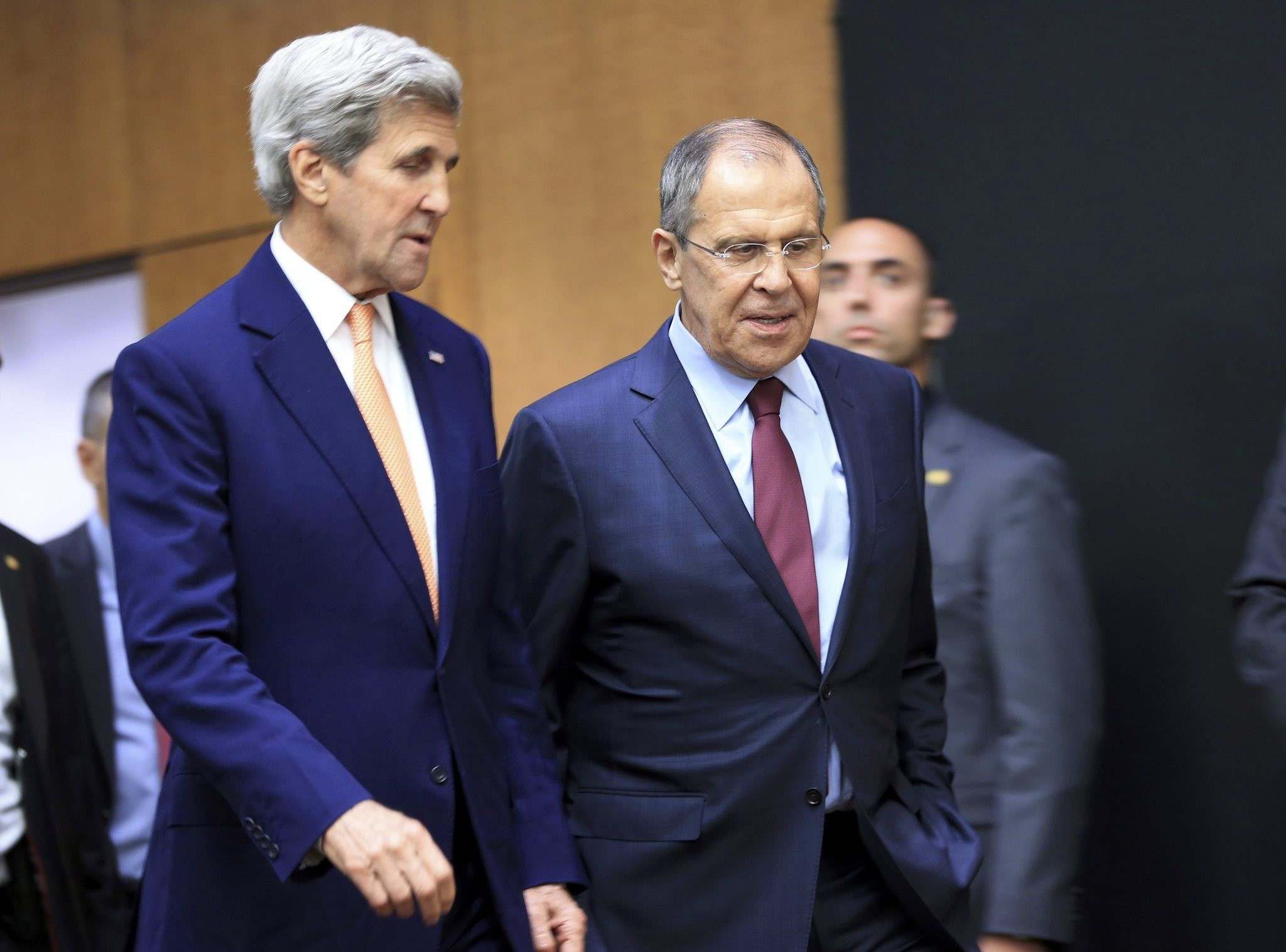 U.S. Secretary of State John Kerry (L) and Russian Foreign Minister Sergei Lavrov arrives for a news conference after a meeting on Syria in Geneva, Switzerland, August 26, 2016. )REUTERS Photo)