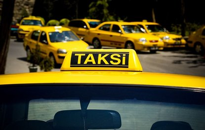 Üstü açık otomobili taksi yaptı