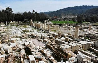 Tombs in Turkey's 'city of gladiators' to open for visit
