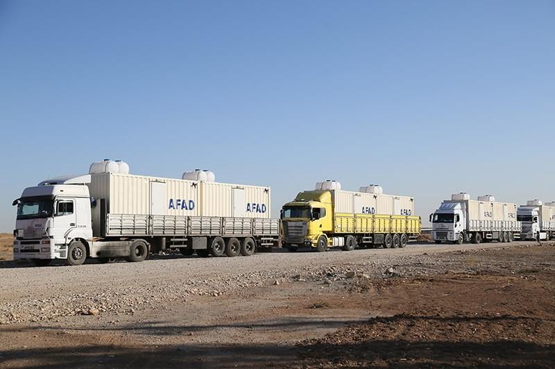 Turkish trucks carrying $6 million worth of humanitarian aid reach Erbil on 18 November 2016. (AA Photo)