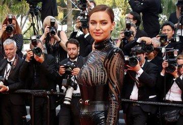 Irina Shayk ikinci kez Cannes kırmızı halısında