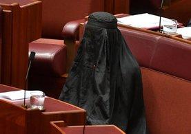 Avustralya Parlamentosu'nda ırkçı eylem!