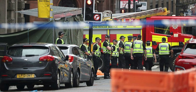 POLICE SAY PERSON SHOT IN GLASGOW HAS DIED AND 6 OTHERS INJURED