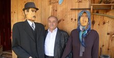 Turkish carpenter creates effigies of dead parents
