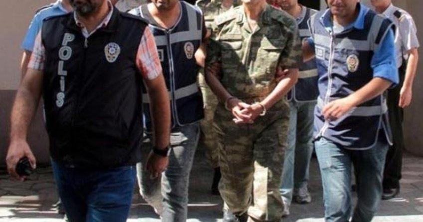 13 askeri personel hakkında yakalama kararı