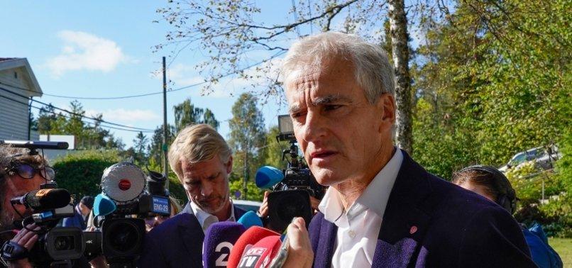 TALKS BEGIN TO FORM NORWAY COALITION GOVT