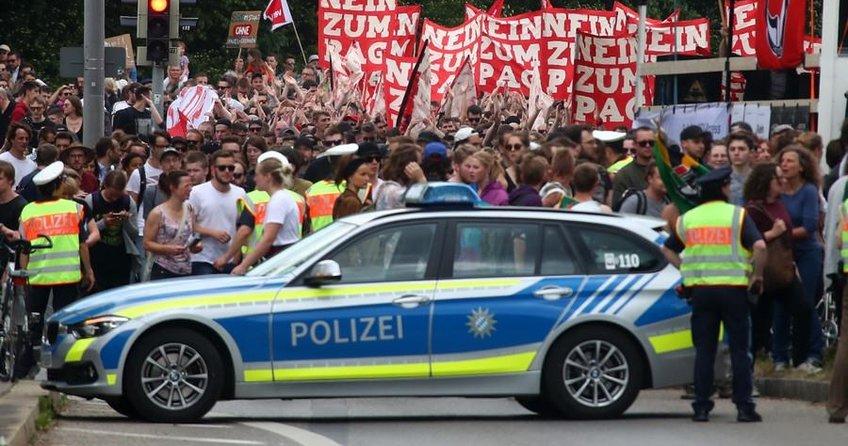 Polise geniş yetkiye tepki