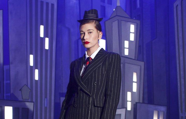 Moschino, İlkbahar 2022 koleksiyonunu New York Moda Haftası'nda sergileyecek.