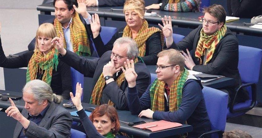 Alman Sol Parti: Terörist değil aktivist diyelim