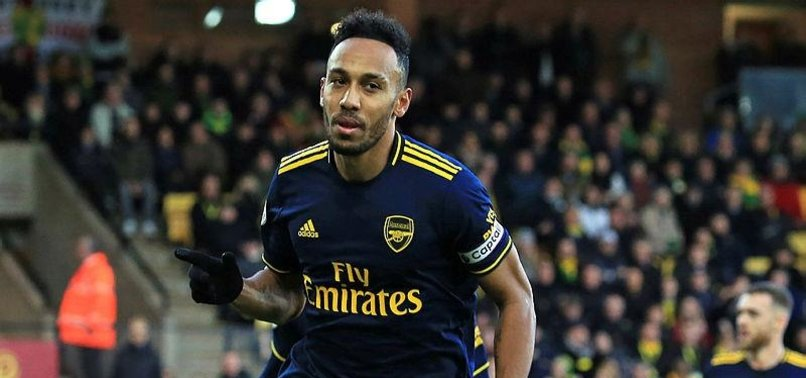 AUBAMEYANGS DOUBLE EARNS ARSENAL DRAW AT NORWICH