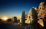 Sunset on Turkey's massive stone heads attracts tourists