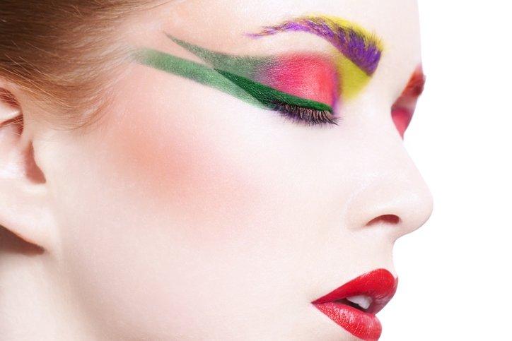 Güzellik trendi: Renkli eyeliner
