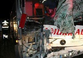 İki yolcu otobüsü çarpıştı!