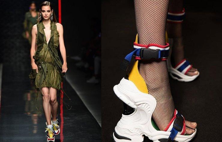 DSquared2 İlkbahar/Yaz 2019 defilesinde yüksek topuklu sneakerlar dikkat çekti. Uzun süredir hayatımızda olan ugly sneaker modasının bir sonraki sezonda devam edeceğinin sinyalleri şimdiden verildi.