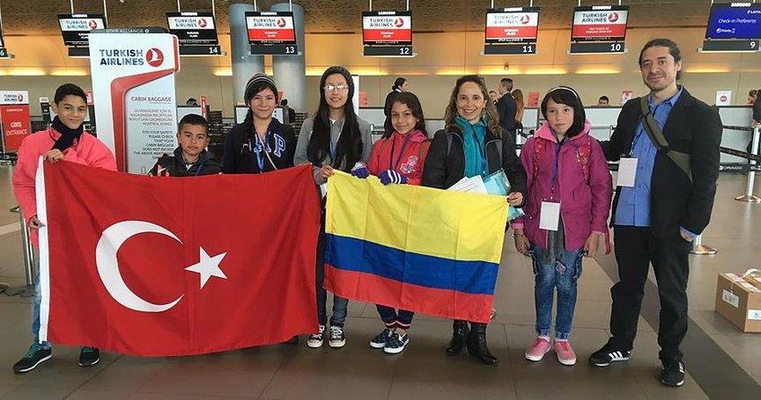 Kolombiyalı çocuklar 23 Nisan etkinlikleri için Türkiye'ye yolcu edildi