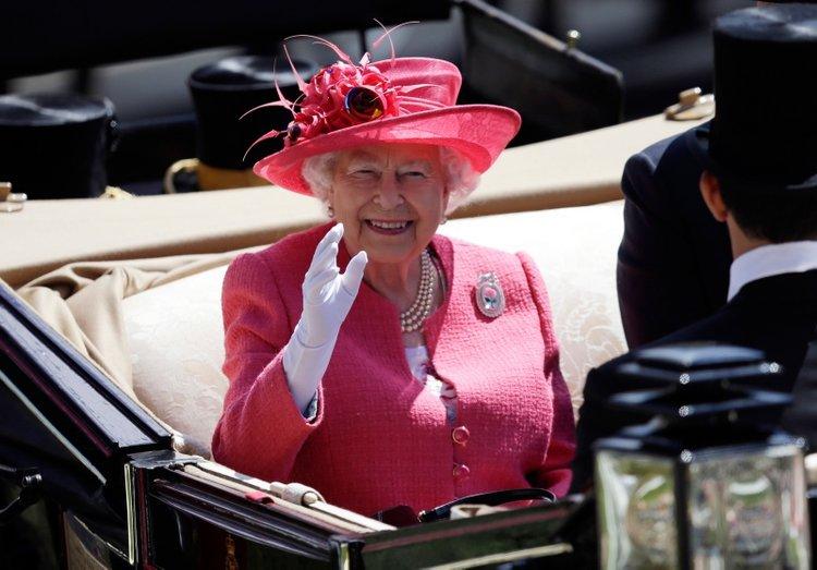 Saray'dan Kraliçe II. Elizabeth açıklaması geldi!
