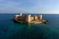 تحفل ولاية مرسين الساحلية جنوبي تركيا بمواقع أثرية لحضارات متنوعة، أربعة منها مسجلة في قائمة منظمة الأمم المتحدة للتربية والعلوم والثقافة (اليونسكو) للتراث العالمي؛ وهو ما يجعلها بمثابة متحف مفتوح...