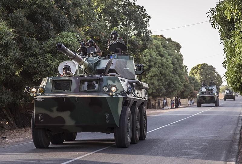 A convoy of Senegal soldiers en route towards the Gambia boarder with Senegal near Karang, Senegal, Thursday, Jan. 19, 2017. (AP Photo)
