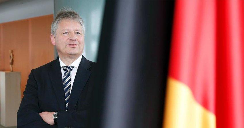 BND Başkanı Kahl: Devlet sırrını ifşa edeni yakarım