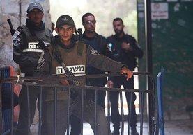 İsrail, Mescid-i Aksa'nın kapılarındaki dedektörleri kaldırıyor