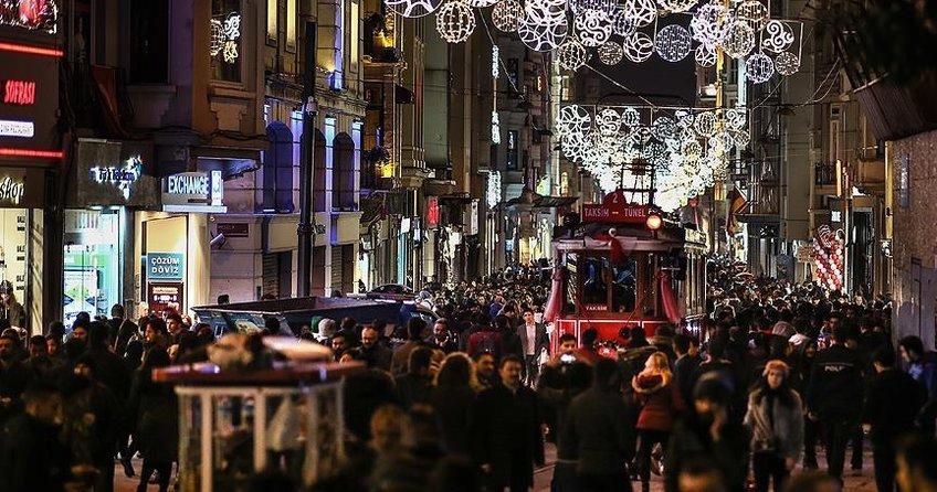 Türkiyeye iki ayda gelen turist sayısı yüzde 35 arttı