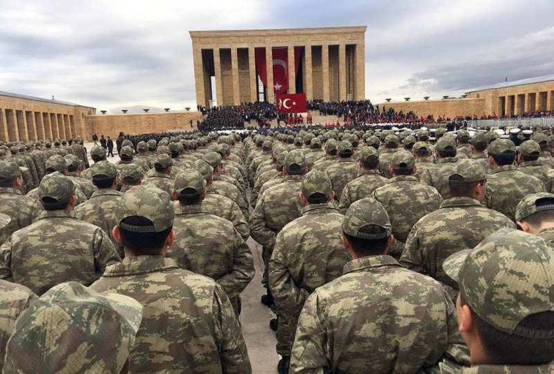 Turkish soldiers commemorate anniversary of the death of Atatu00fcrk, founder of the Republic, at his mausoleum in Ankara on Nov. 10, 2016. (DHA Photo)