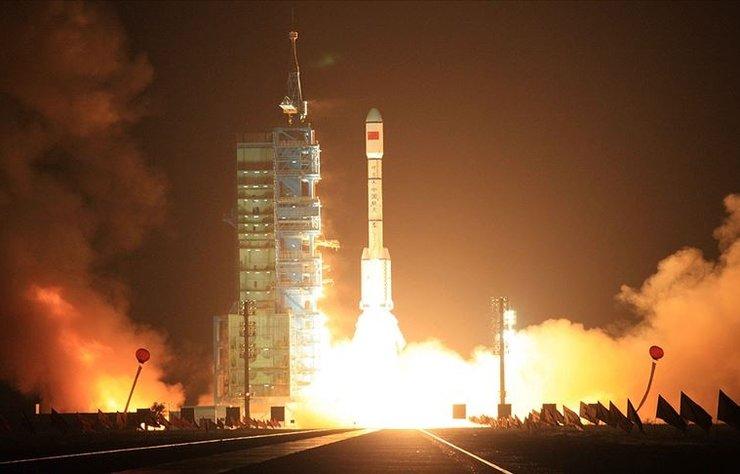 Çin, son yıllarda Ay ve Mars keşif görevleri, uydu teknolojisi ve insanlı uzay seferlerine yönelik iddialı adımlarıyla ABD ve Rusya'nın öncülük ettiği uzay yarışında yeni güç olarak ortaya çıkıyor.