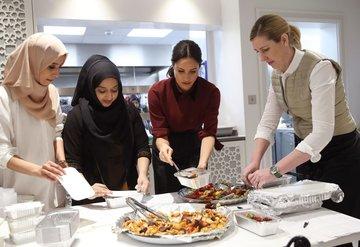 Sussex Düşesi Meghan Markle mutfakta