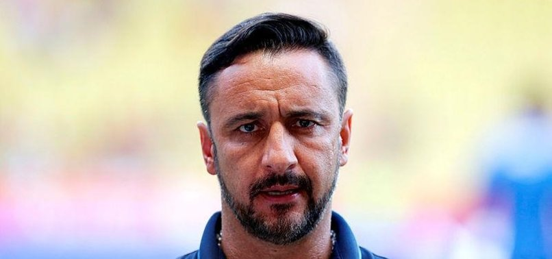 FORMER OLYMPIACOS MANAGER VITOR PEREIRA SENTENCED TO 8 MONTHS IN PRISON