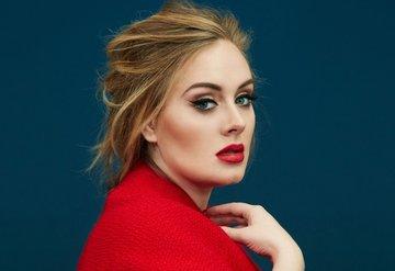 Adele İngiltere'nin en zengin genç ünlüsü!