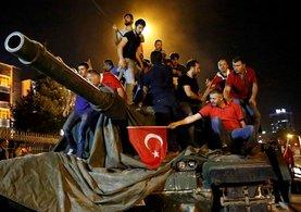 Ankara Başsavcılığı'nın iddianamesine göre, darbenin delili üsteki 3 imam