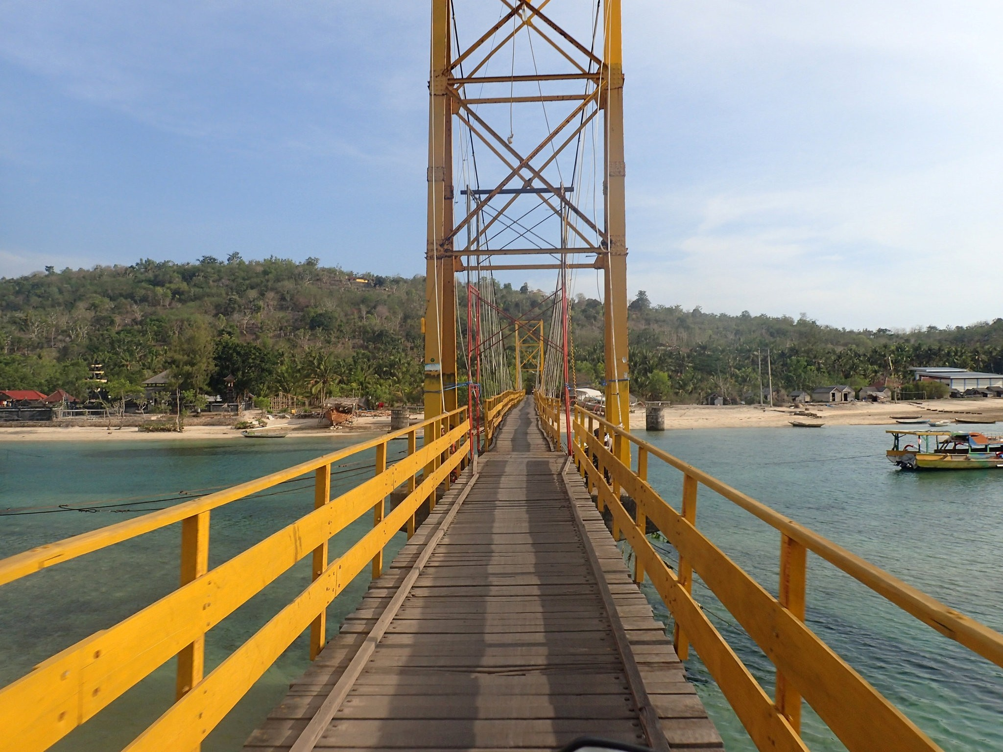 The ,Yellow Bridge, which connects Nusa Lembongan and Nusa Ceningan, two islands located east of the resort island of Bali, Indonesia. (Reuters Photo)