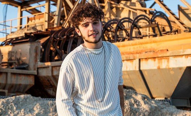 Eli Türkoğlunun Yeni Şarkısı Yokluğunun Ertesi