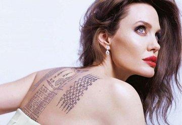Angelina Jolie dövmeleriyle büyüledi