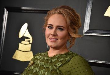 Adele ve Simon Konecki ayrıldı