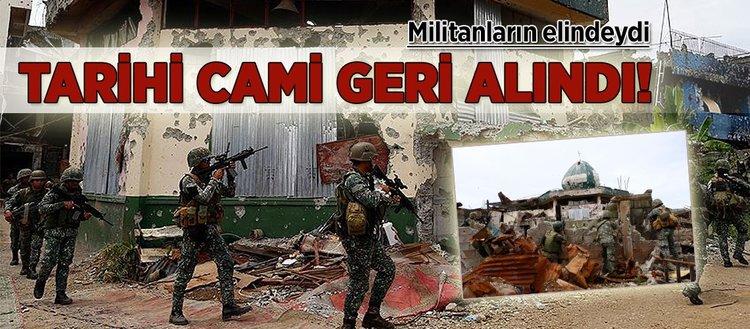 Tarihi cami militanların elinden geri alındı