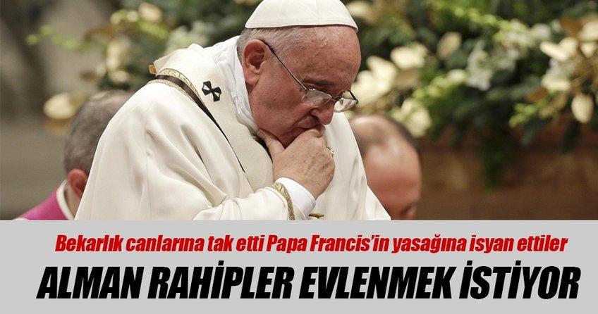 Katolik rahipler evlenmek istiyor