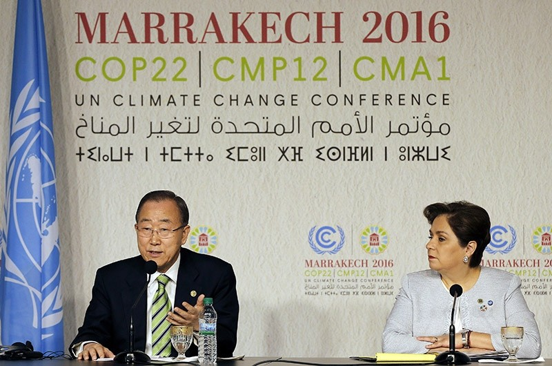 United Nations Secretary-General Ban Ki-moon (L) speaks during a press conference at the World Climate Change Conference 2016 (COP22) in Marrakech, Morocco, 15 Nov. 2016. (EPA Photo)