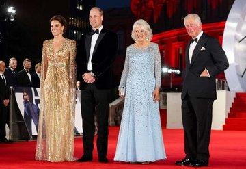 Yeni James Bond filminin galasına kraliyet ailesi de katıldı