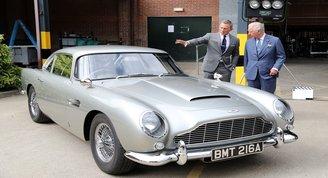 James Bond Prens Charlesı ağırladı