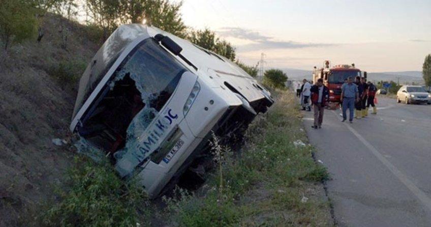 Çorum'da yolcu otobüsü devrildi! Ölü ve yaralılar var!