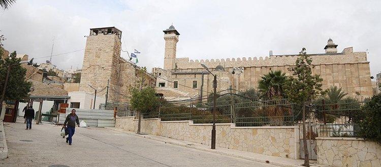 İsrail Harem-i İbrahim Camisi'nde ezana 634 kez engel oldu